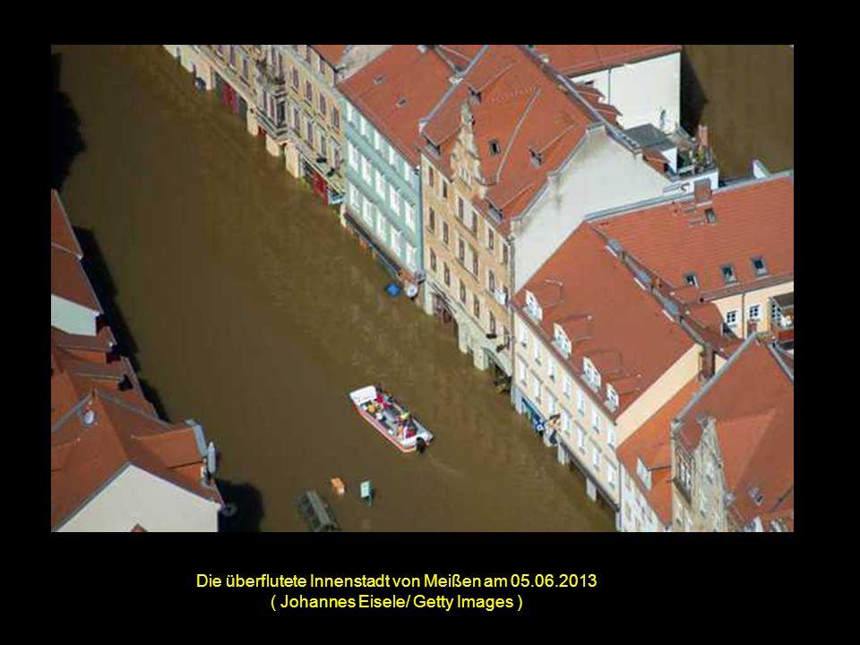 Überflutungen am 05.06.2013 nahe Deggendorf. ( Wolfgang Rattay/ Reuters )