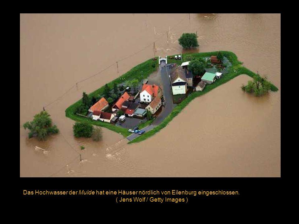 Das überflutete Stadtzentrum von Grimma am 03.06.2013 ( Jens Wolf/ Getty Images )