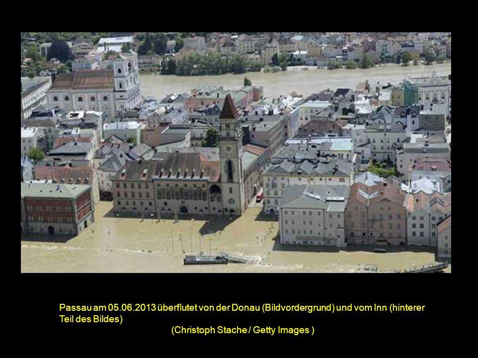 Passau am 05.06.2013 überflutet von der Donau (Bildvordergrund) und vom Inn (hinterer Teil des Bildes) (Christoph Stache / Getty Images )