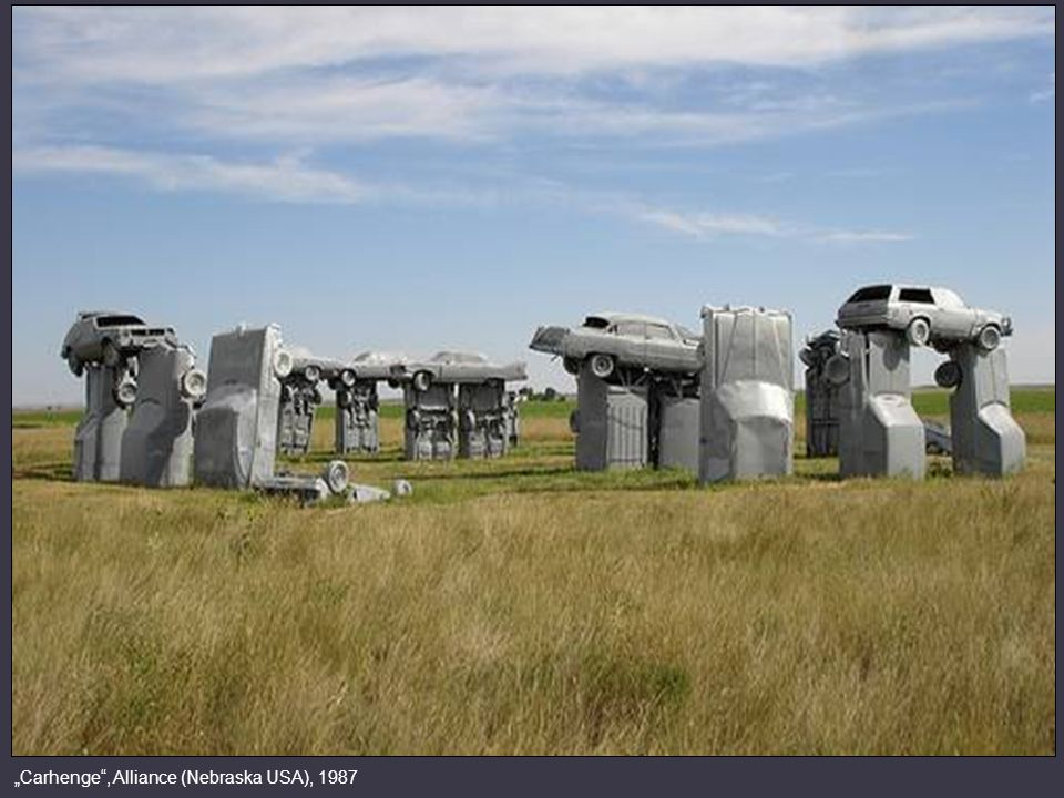 """Carhenge , Alliance (Nebraska USA), 1987"