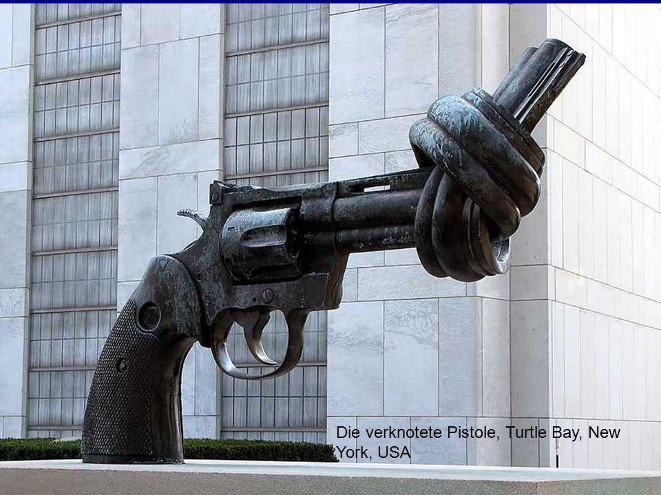 Freiheit, 2001 von Zenos Frudakis, Philadelphia. 20 Meter lang, 8 Meter hoch