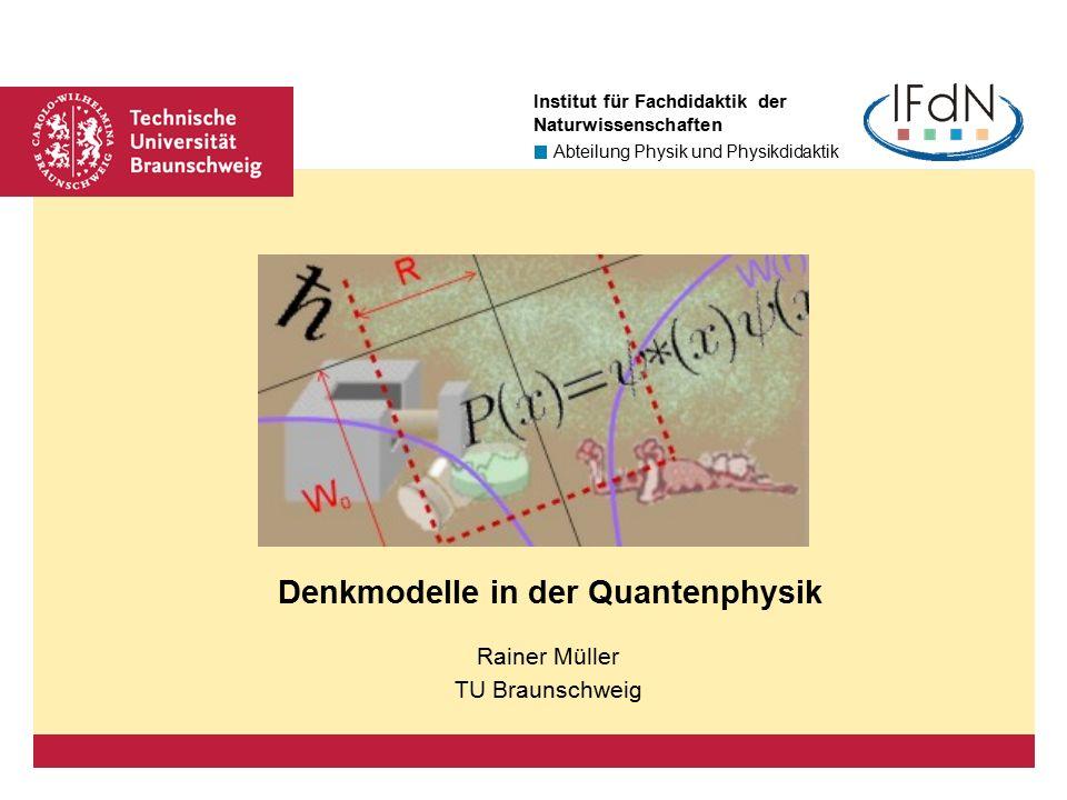 """Seite 22 Wesenszug 1: Statistisches Verhalten Die Bornsche Wahrscheinlichkeitsinterpretation löst den """"naiven Welle-Teilchen-Dualismus auf."""