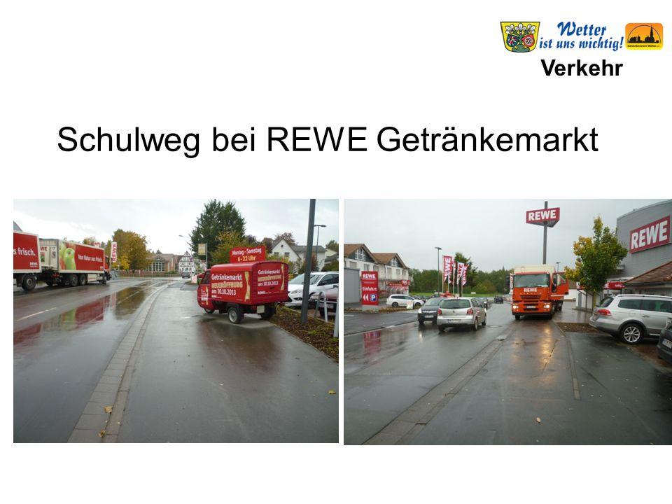 Verkehr Schulweg bei REWE Getränkemarkt