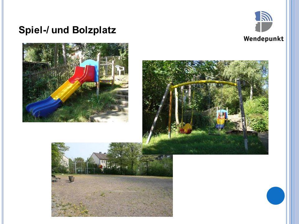 Spiel-/ und Bolzplatz