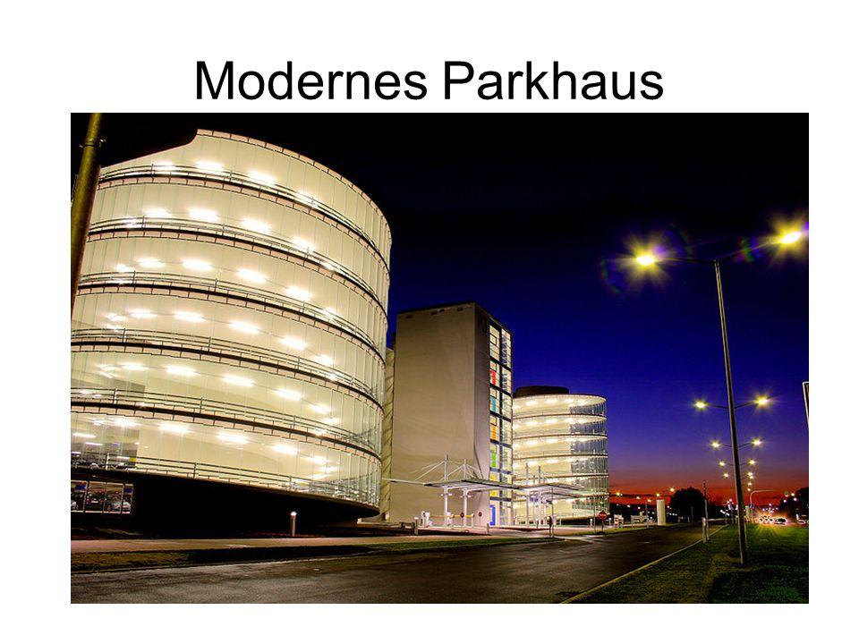 Modernes Parkhaus