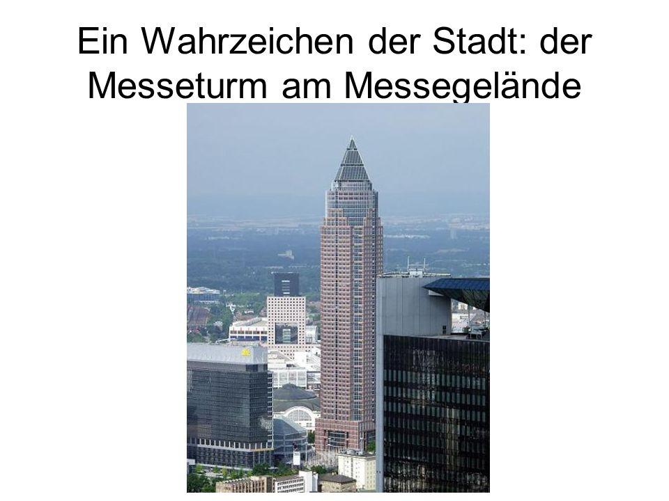Ein Wahrzeichen der Stadt: der Messeturm am Messegelände