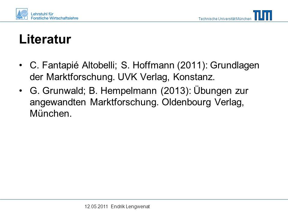 Technische Universität München Methode der kleinsten quadratischen Abweichungen Unter der Annahme der linearen Zeitabhängigkeit einer Größe, wird der Trend durch eine Gerade beschrieben: y = ax + boder hierx t = a + b*t mita: Achsenabschnitt b: Steigungskoeffizient t: Periode Dabei werden a und b so bestimmt, dass die Summe der Abweichungsquadrate von der Trendlinie minimiert werden.