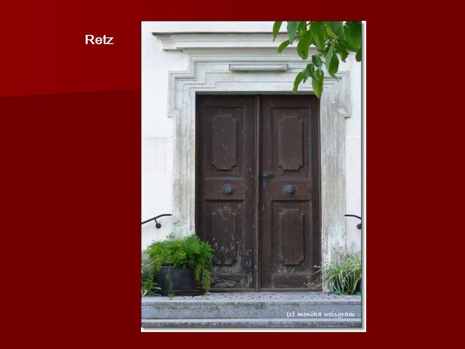 TÜREN UND TORE Geschlossene Türen und Tore haben für mich etwas Geheimnisvolles… Es ist immer verborgen, was was dahinter ist…