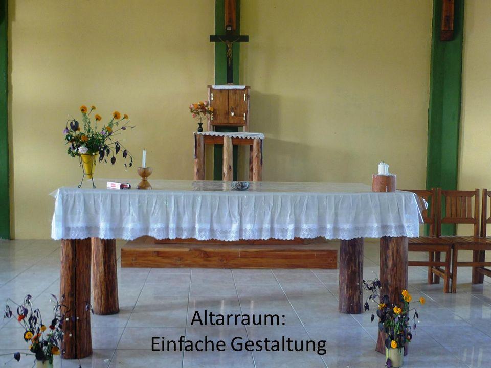 Altarraum: Einfache Gestaltung