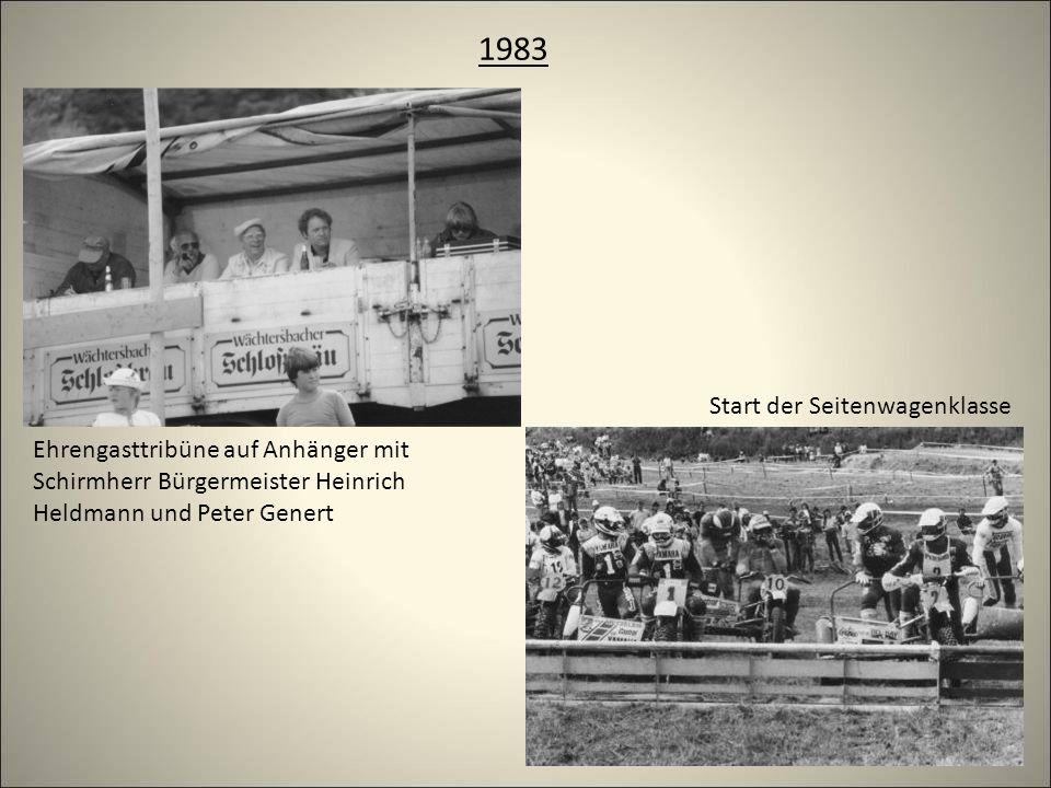 1983 Ehrengasttribüne auf Anhänger mit Schirmherr Bürgermeister Heinrich Heldmann und Peter Genert Start der Seitenwagenklasse