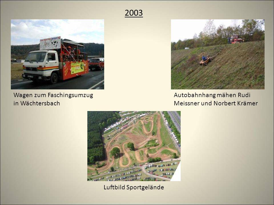 2003 Luftbild Sportgelände Autobahnhang mähen Rudi Meissner und Norbert Krämer Wagen zum Faschingsumzug in Wächtersbach