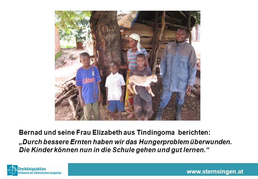 """www.sternsingen.at Bernad und seine Frau Elizabeth aus Tindingoma berichten: """"Durch bessere Ernten haben wir das Hungerproblem überwunden."""