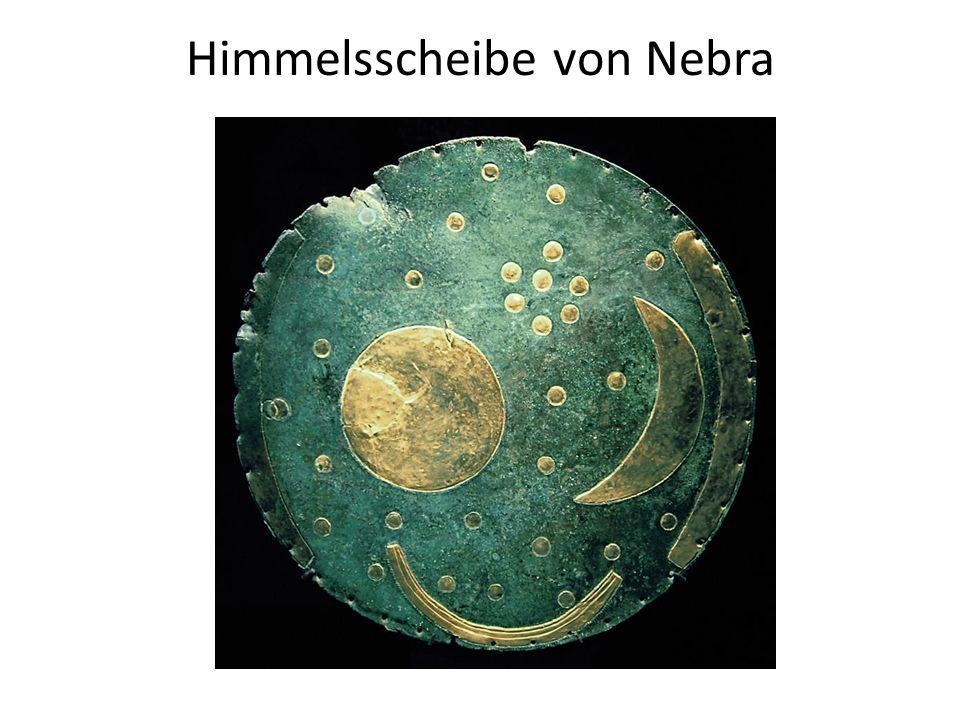 Kreisförmige Bronzeplatte mit Applikationen aus Gold Gefunden am 4.