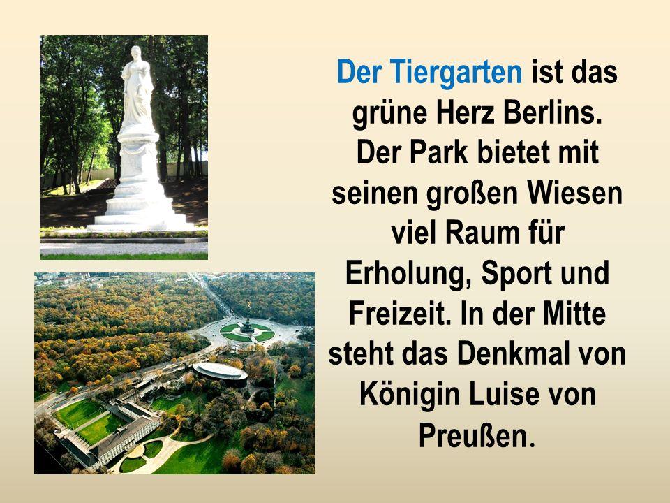 Das Reichstagsgebäude ist der Sitz der deutschen Regierung. Die gläserne Kuppel ist eine Attraktion für Berliner und Touristen.