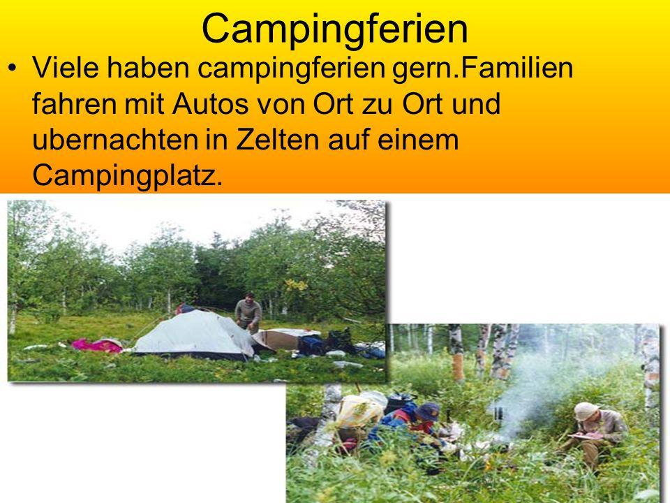 Campingferien Viele haben campingferien gern.Familien fahren mit Autos von Ort zu Ort und ubernachten in Zelten auf einem Campingplatz.