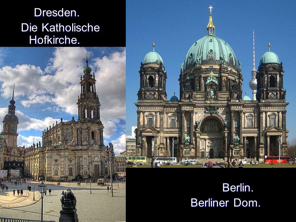 Dresden. Dresden. Die Katholische Hofkirche. Die Katholische Hofkirche.