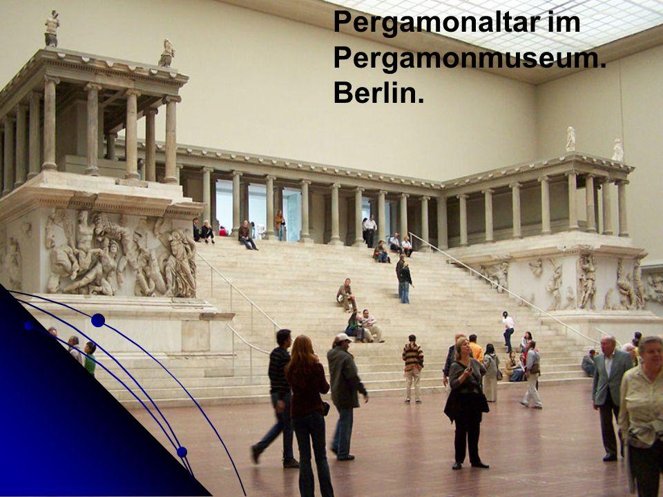 Pergamonaltar im Pergamonmuseum. Berlin.