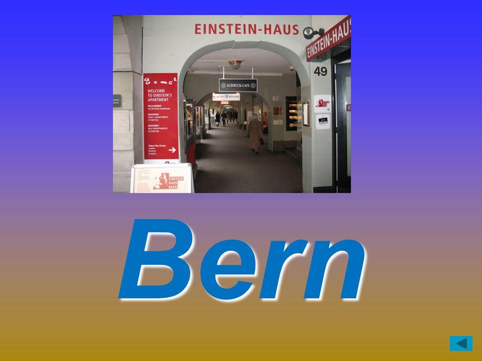Das Einstein-Haus ist in der Stadt … richtig