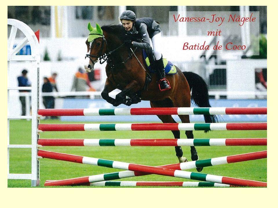 Vanessa Joy Nägele war nach Ihren zahlreichen Erfolgen in der CH qualifiziert für das Pony-Barrieren-Springen beim internationalen Einladungsturnier beim CSI St.Gallen