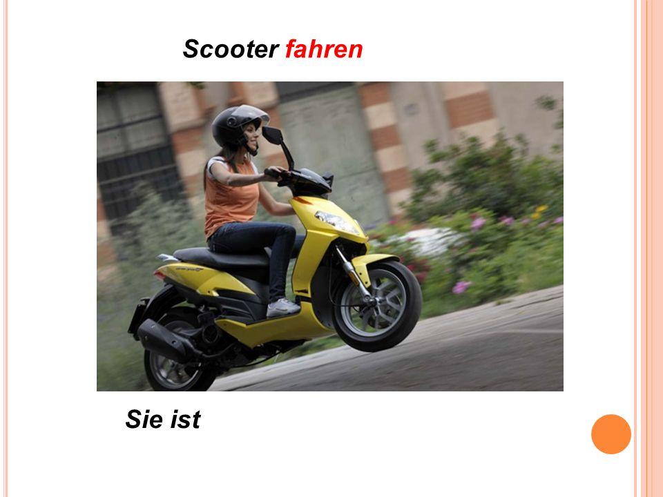 Scooter fahren Sie ist