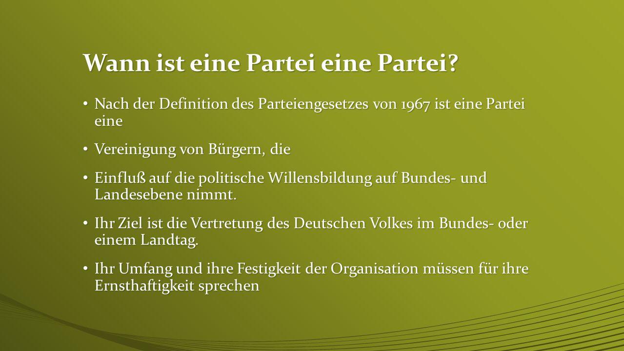 """Parteien in Deutschland In unserem Grundgesetzt heißt es: In unserem Grundgesetzt heißt es: """"Parteien sind Vereinigungen von Bürgern, die dauernd oder für längere Zeit für den Bereich des Bundes oder eines Landes auf die politische Willensbildung Einfluss nehmen und an der Vertretung des Volkes im Deutschen Bundestag oder einem Landtag mitwirken wollen """"Parteien sind Vereinigungen von Bürgern, die dauernd oder für längere Zeit für den Bereich des Bundes oder eines Landes auf die politische Willensbildung Einfluss nehmen und an der Vertretung des Volkes im Deutschen Bundestag oder einem Landtag mitwirken wollen """"Ihre Gründung ist frei."""