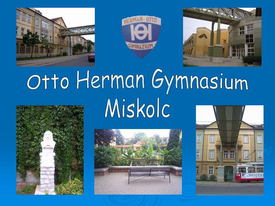 In dem ersten Gebäude des Gymnasiums läuft die Ausbildung seit 1878.