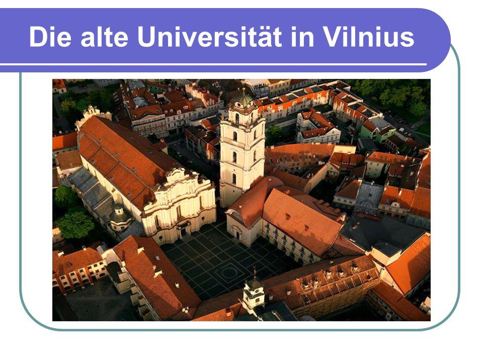 Nevarėnai  Der Ort ist 16 km von der Kreisstadt Telšiai entfernt;  Seit 755 Jahren wurde er zum ersten Mal in schriftlichen Quellen erwähnt;  Heute leben in Nevarėnai 613 Einwohner;  2003 wurde im Ortszentrum Volkskunstpark gegründet;