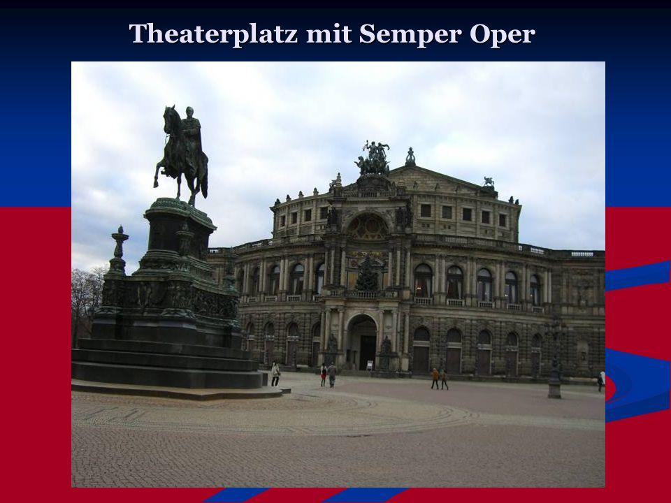 Theaterplatz mit Semper Oper