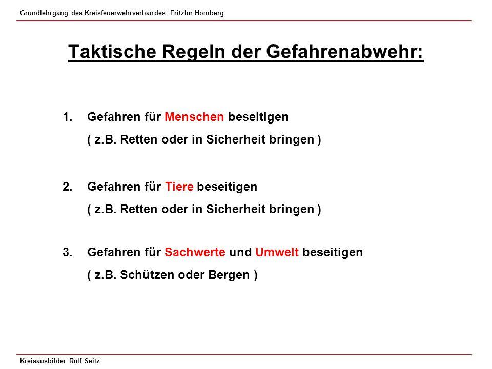 Grundlehrgang des Kreisfeuerwehrverbandes Fritzlar-Homberg Kreisausbilder Ralf Seitz Sicherheitsabstand beim Fällen von Bäumen 2 - fache Baumlänge rundum