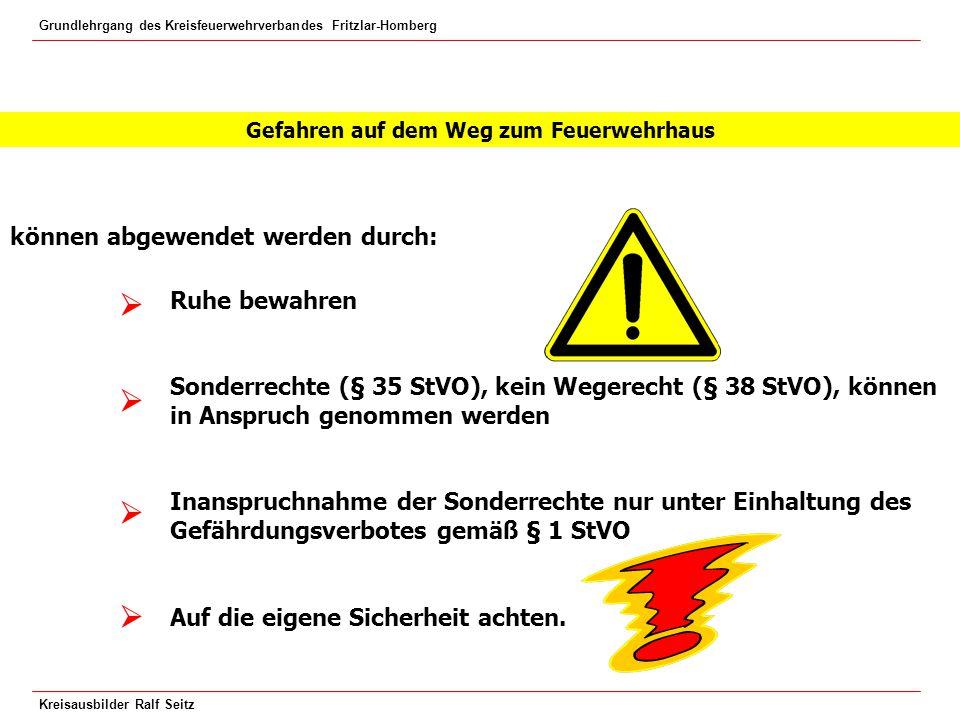 Grundlehrgang des Kreisfeuerwehrverbandes Fritzlar-Homberg Kreisausbilder Ralf Seitz Strahlrohrabstände bei Verwendung eines CM-Strahlrohres und unbekannter Spannung: 1 m 5 m 10 m Hochspannung Über 1000 Volt Niederspannung Bis 1000 Volt