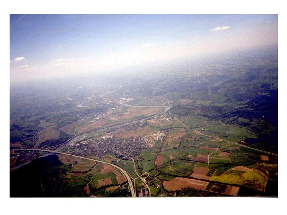 Blauthermik II l Wo sind die Ablöse-punkte bzw. -kanten? Flüsse, Straßen, Waldkanten, Hangkanten, Seeufer, Wolkenschatten. (Feuchte Kellerdecke) l Bei