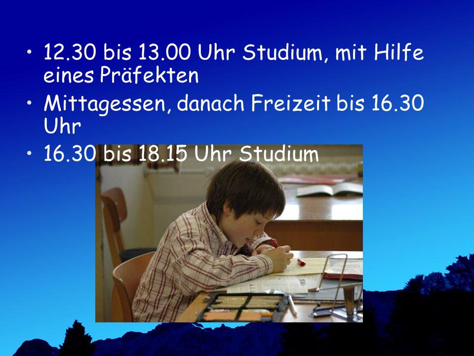 12.30 bis 13.00 Uhr Studium, mit Hilfe eines Präfekten Mittagessen, danach Freizeit bis 16.30 Uhr 16.30 bis 18.15 Uhr Studium