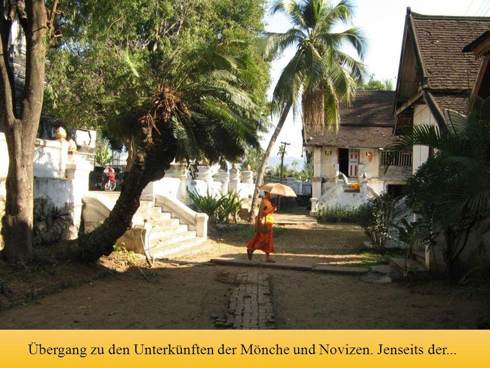 Übergang zu den Unterkünften der Mönche und Novizen. Jenseits der...