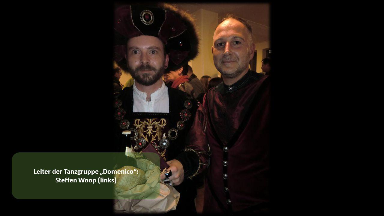 """Leiter der Tanzgruppe """"Domenico : Steffen Woop (links)"""