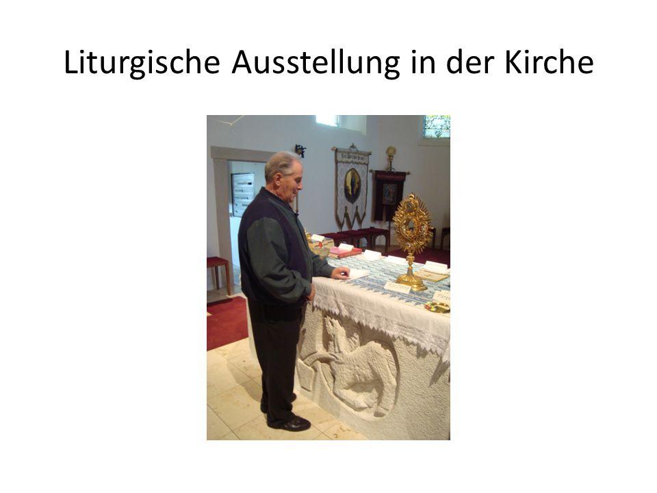 Liturgische Ausstellung in der Kirche