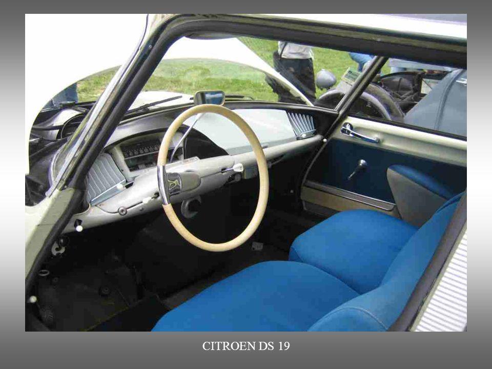 CITROEN DS 19 von 1955 und bis 1975 in verschiedenen Versionen hergestellt. Nachfolger waren der DS 21 und der DS 23.