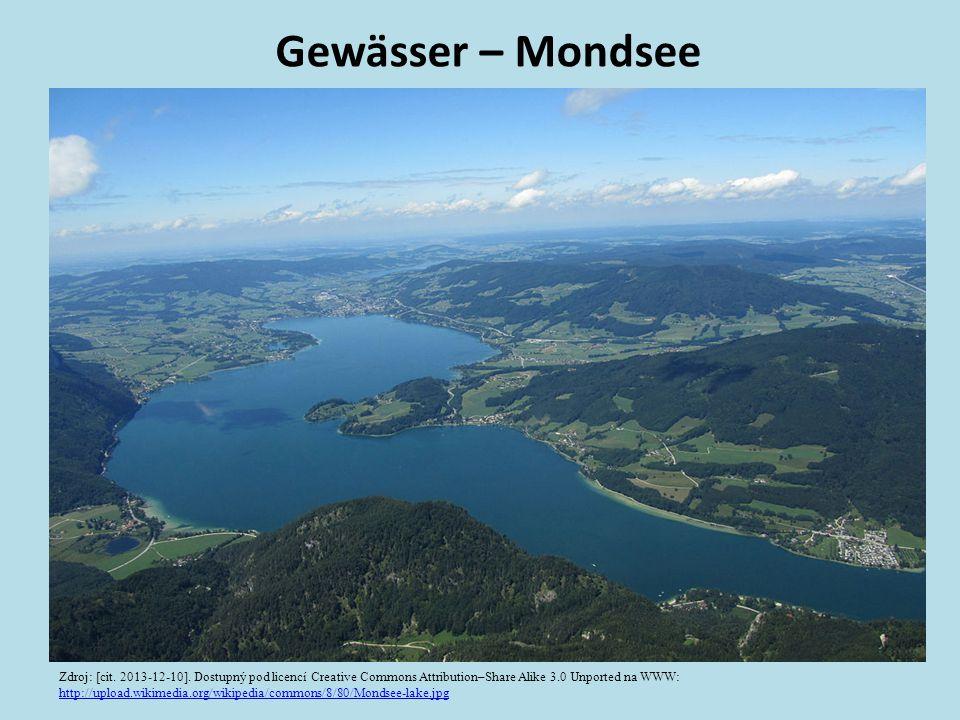 Gewässer – Mondsee Zdroj: [cit. 2013-12-10]. Dostupný pod licencí Creative Commons Attribution–Share Alike 3.0 Unported na WWW: http://upload.wikimedi