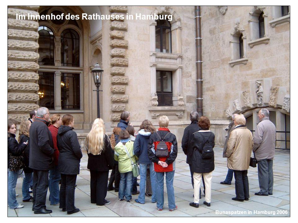 Im Innenhof des Rathauses in Hamburg