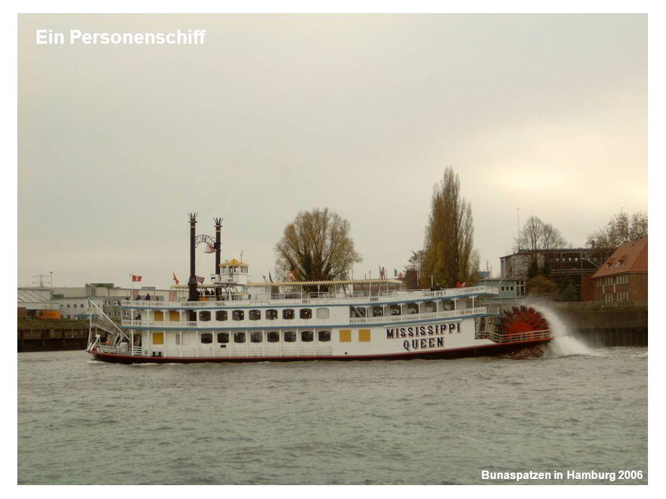 Bunaspatzen in Hamburg 2006 Ein Personenschiff