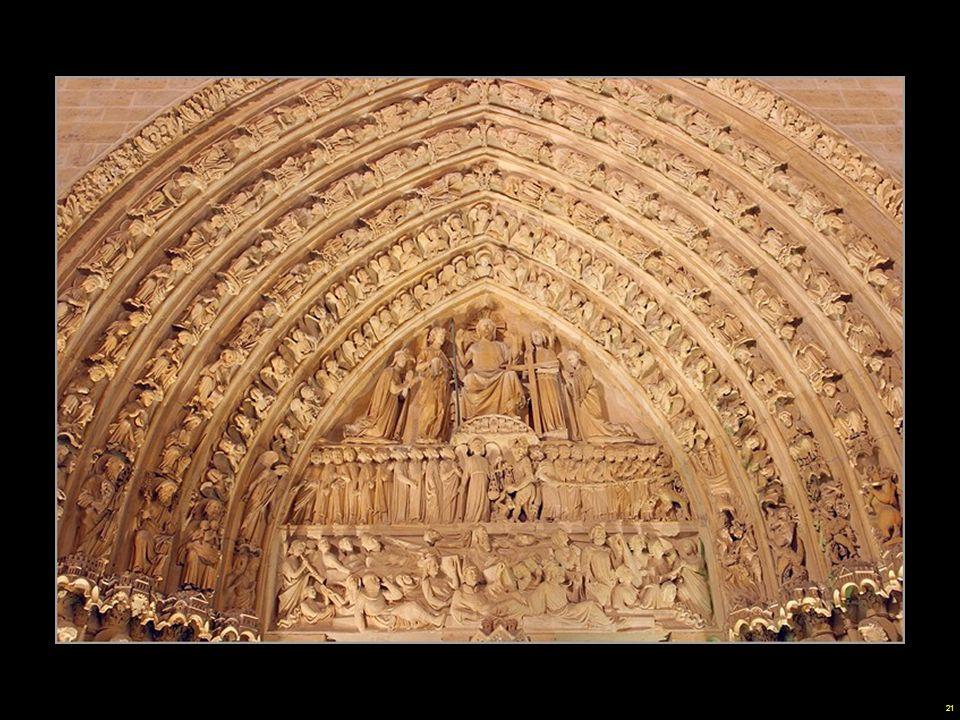 20 La vertiginosa altura de la nave, las formas esbeltas, los prodigiosos efectos de iluminación obtenidos a través de las grandes rosetas norte y sur, todo es concebido para materializar la presencia divina.