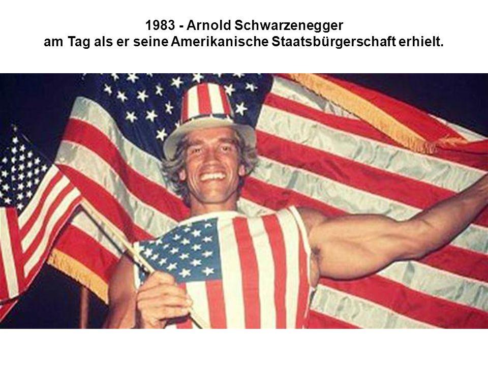 1983 - Arnold Schwarzenegger am Tag als er seine Amerikanische Staatsbürgerschaft erhielt.