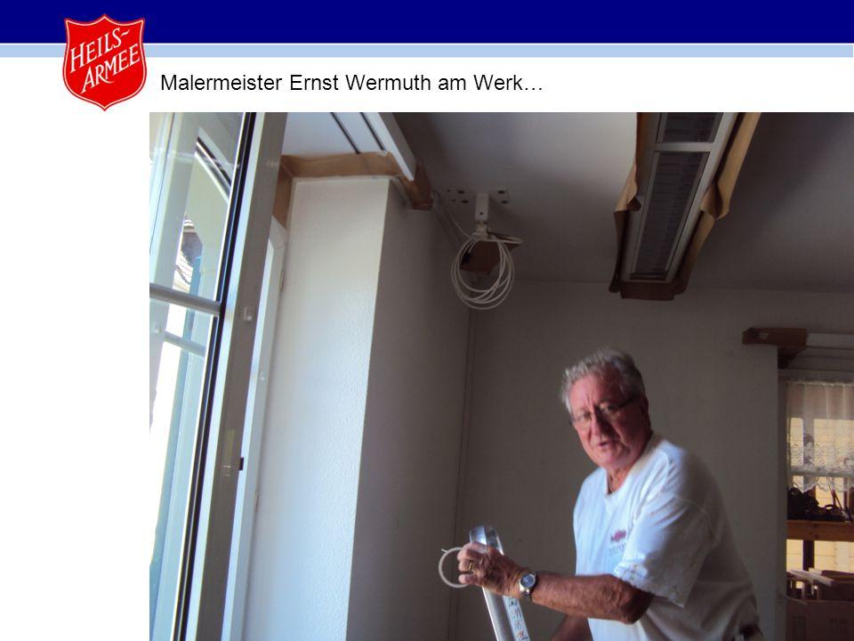 5 Malermeister Ernst Wermuth am Werk…