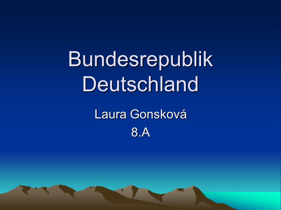 Sachsen Haupfstadt: Dresden Einwohner: 4,8 Milionen Typisch: Erzgebirge, Holzspielzueg Fläche: 18 338 km2