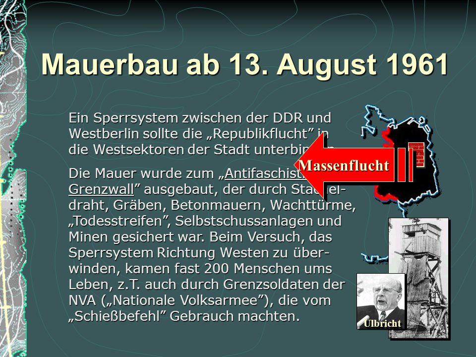 """Aufstand am 17. Juni 1953 Die Maßnahmen der DDR-Staatsführung zum """"Aufbau des Sozialismus"""" nach sow- jetischem Vorbild hatten die Unzufrieden- heit de"""