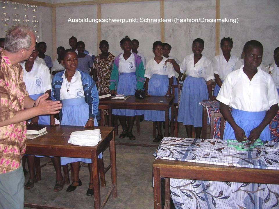 Ausbildungsschwerpunkt: Schneiderei (Fashion/Dressmaking)