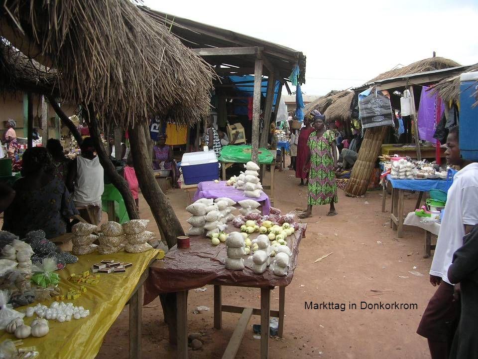 Markttag in Donkorkrom