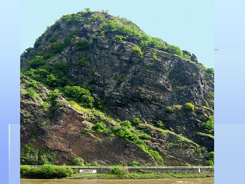 DIE LEGENDE  Laut einer der Legenden ist in dem Felsen der Loreley vergrabener Schatz der Nibelungen, nach einer anderen (die das Thema des Gedichts Heine wurde), stürzte von der Spitze des Berges in den Rhein ein junges Mädchen namens Loreley, von ihrem Geliebten verraten und die verwandelte sich dann in eine Meerjungfrau.