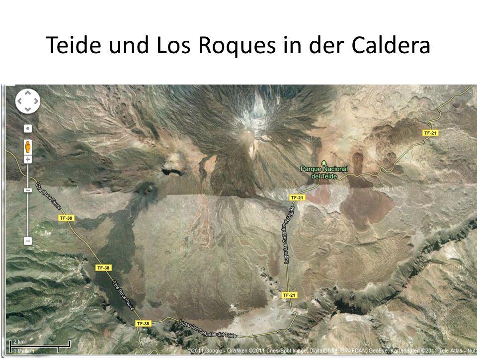Teide und Los Roques in der Caldera