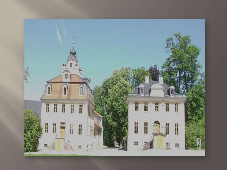 Das Schloss Belvedere ist eine Lustschlossanlage in der Nähe von Weimar.