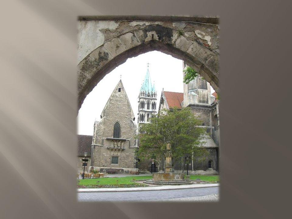 Naumburger Dom St. Peter und Paul Der größte Teil des Doms stammt aus dem 13.